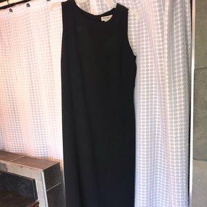 Black long and loose dress